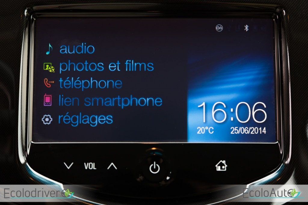 2014 Chevrolet Spark multimedia display view