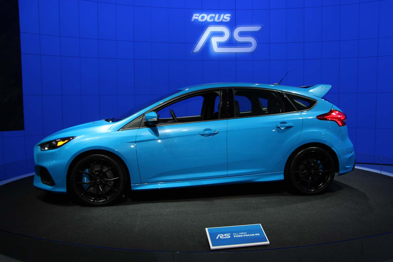 2016 ford focus rs adds yet more performance to the ecoboost name ecolodriver. Black Bedroom Furniture Sets. Home Design Ideas