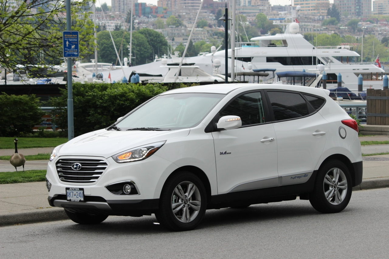 review 2015 hyundai tucson fcev ecolodriver. Black Bedroom Furniture Sets. Home Design Ideas