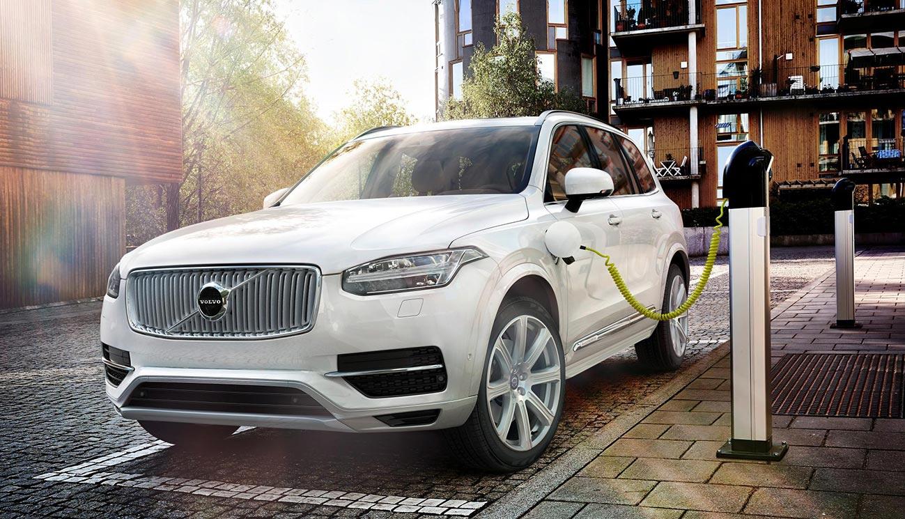 2015-Volvo-XC90-Plug-in-hybrid-02