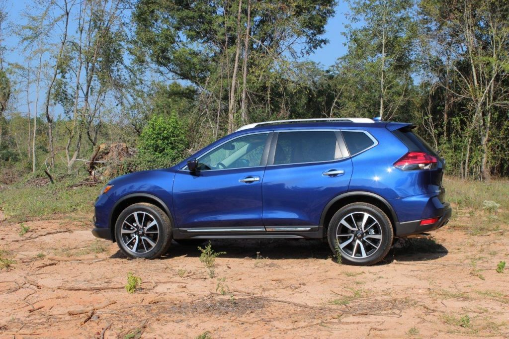 2017 nissan rogue review and test drive ecolodriver. Black Bedroom Furniture Sets. Home Design Ideas