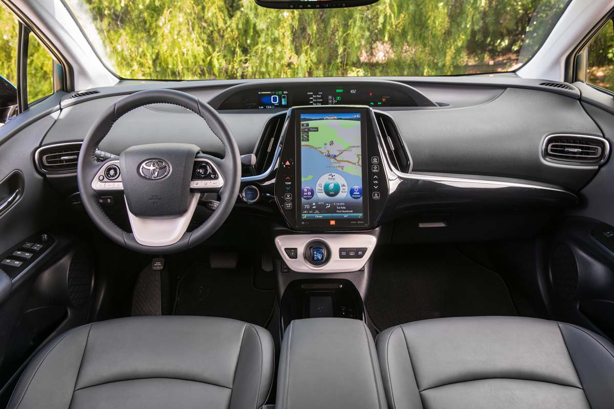 first 2017 toyota prius prime review complete overhaul ecolodriver. Black Bedroom Furniture Sets. Home Design Ideas