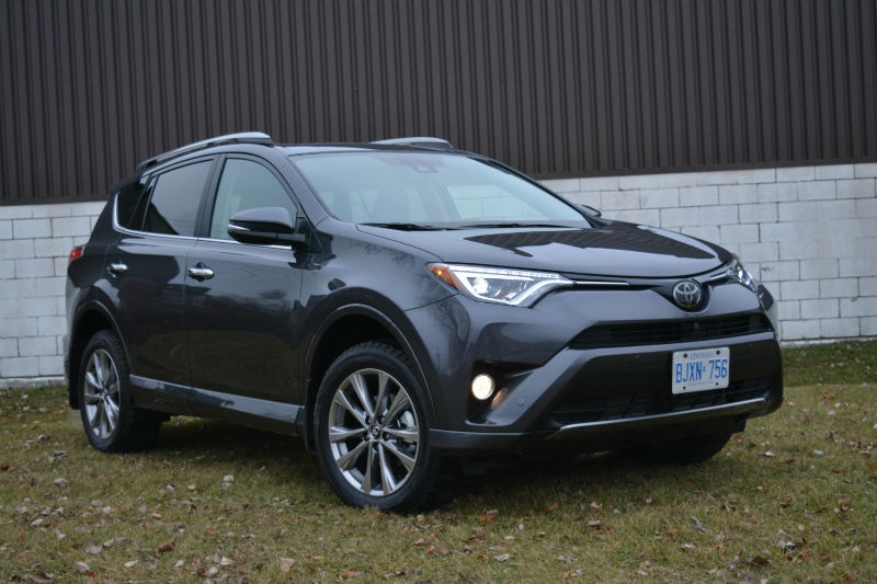 2017 Toyota RAV4 test drive
