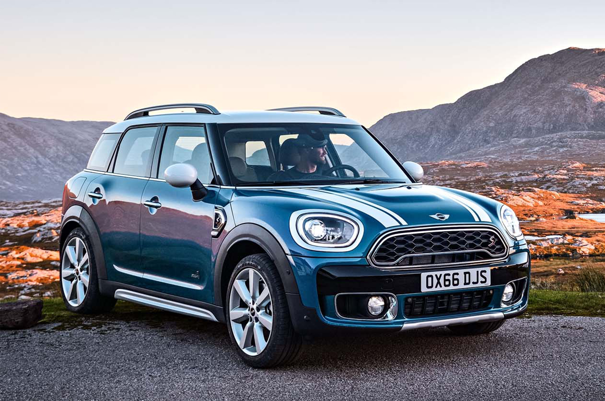 Car News 2017 Mini Countryman Earns Iihs Top Safety Pick