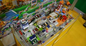 Tomica toys