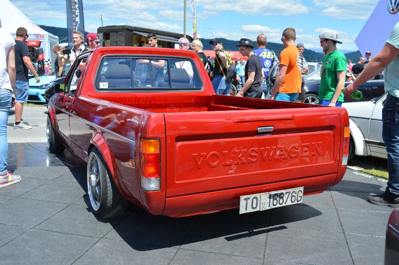 Volkswagen Caddy red