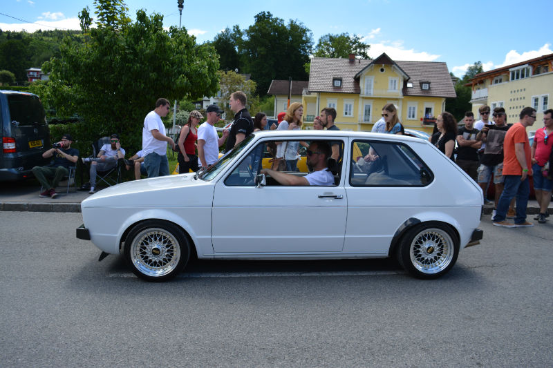 Volkswagen Golf GTI white