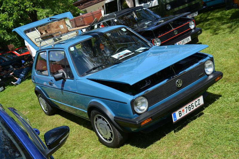 Volkswagen Golf blue
