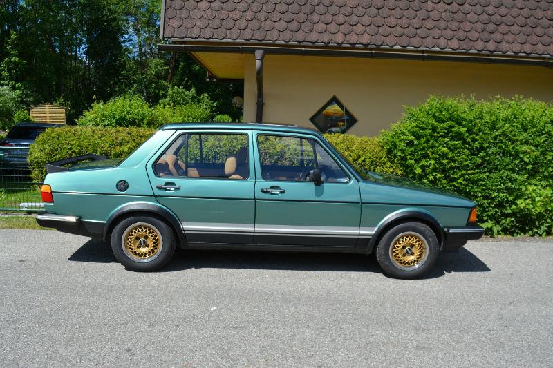Volkswagen Jetta green